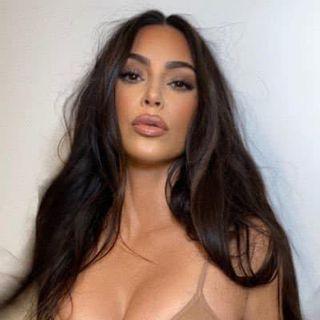 Kim Kardashian West  Facebook Hayran Sayfası Profil Fotoğrafı