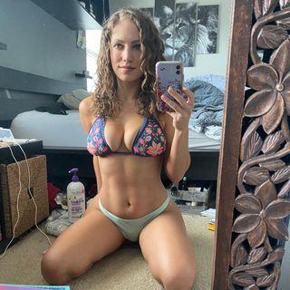 Jade Bryce  Facebook Hayran Sayfası Profil Fotoğrafı